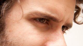 眉の簡単カラーリング。メンズメイクで使える眉マスカラ!